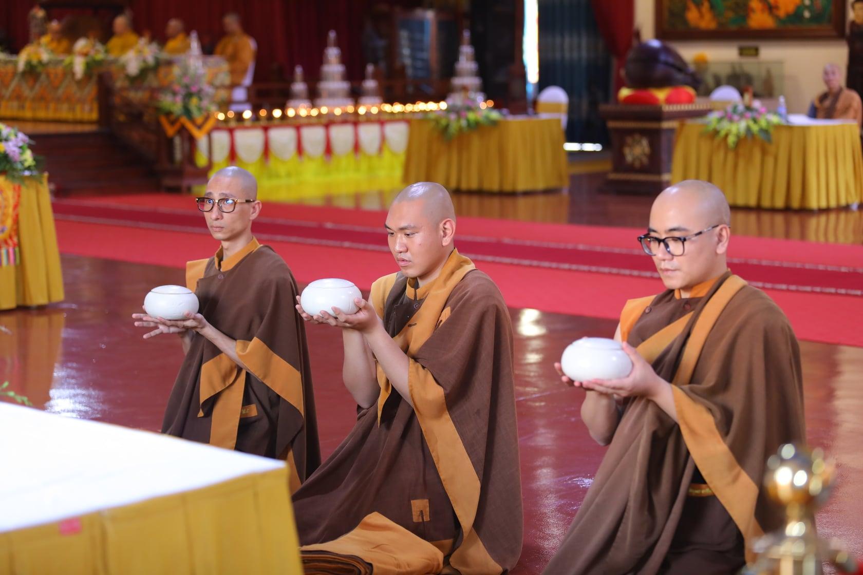 Thang Nghiem Dai Gioi Dan IV (104)
