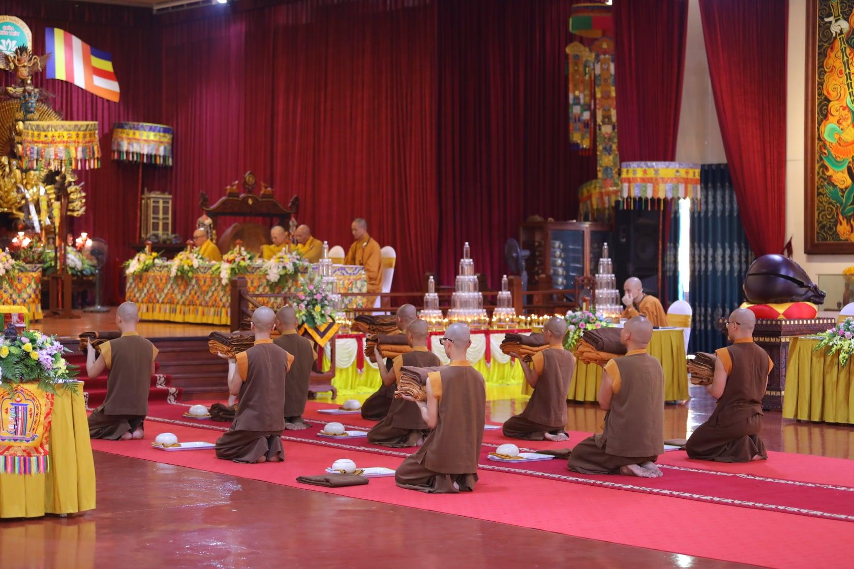 Thang Nghiem Dai Gioi Dan IV (111)