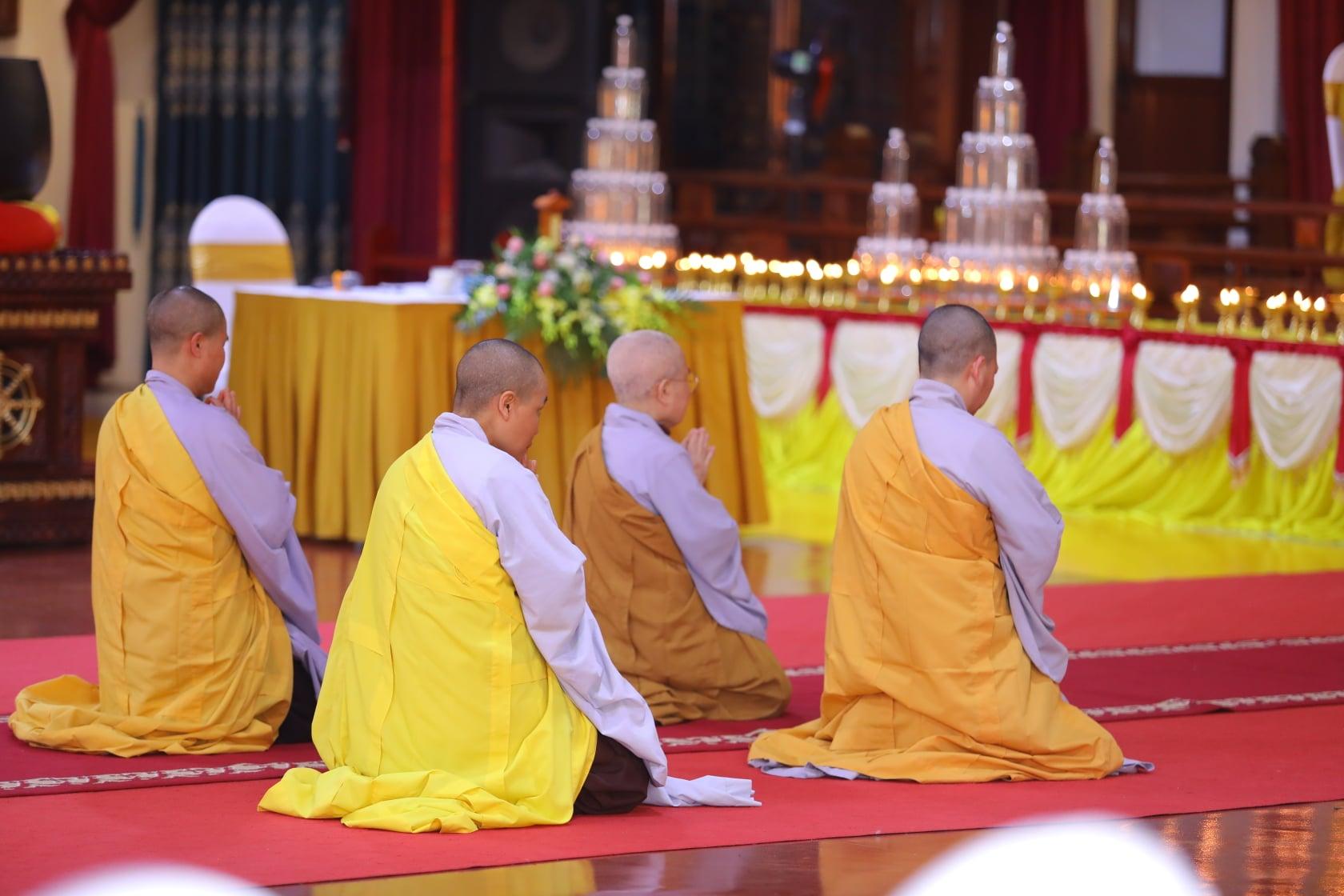 Thang Nghiem Dai Gioi Dan IV (120)