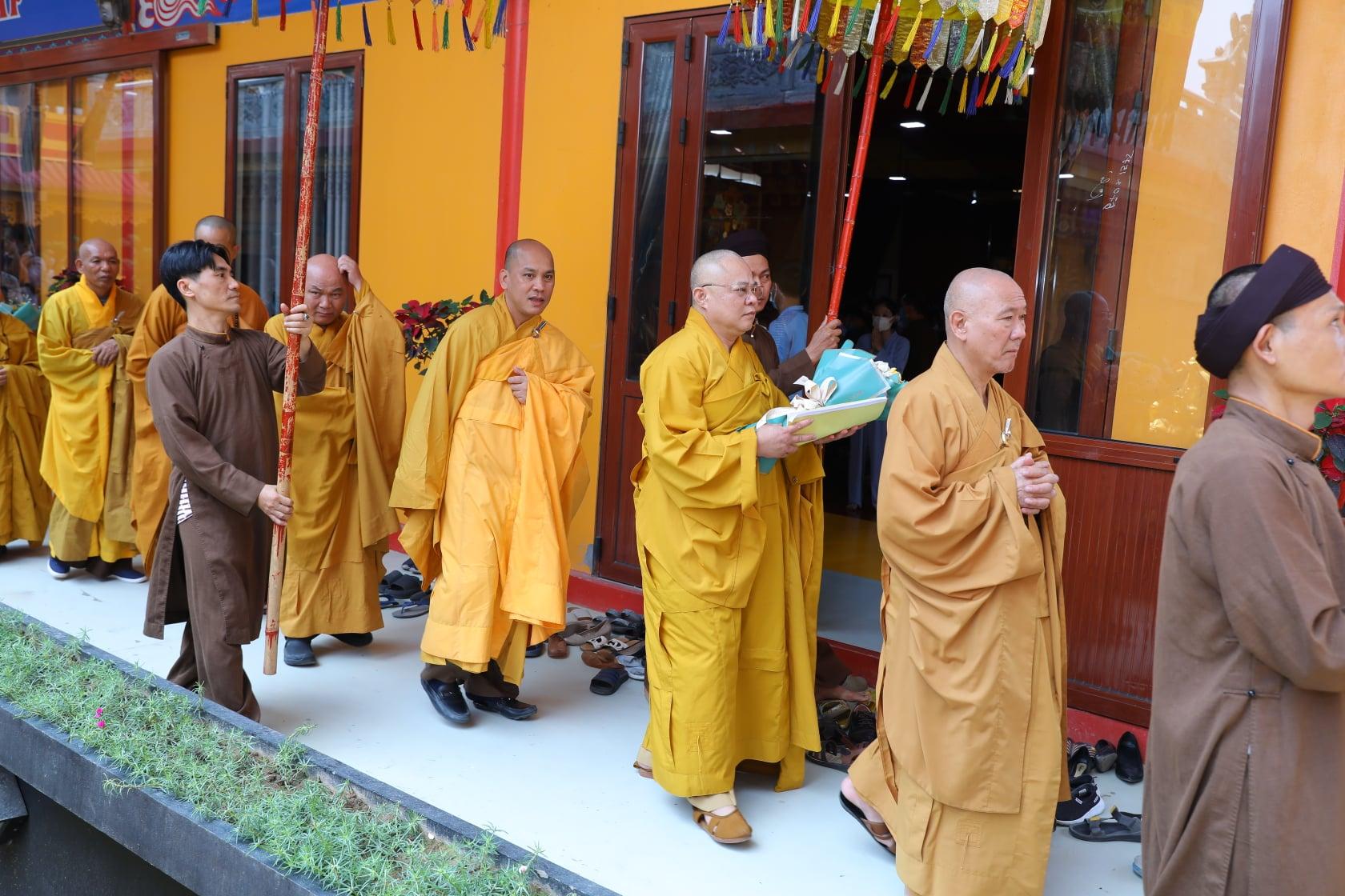 Thang Nghiem Dai Gioi Dan IV (121)