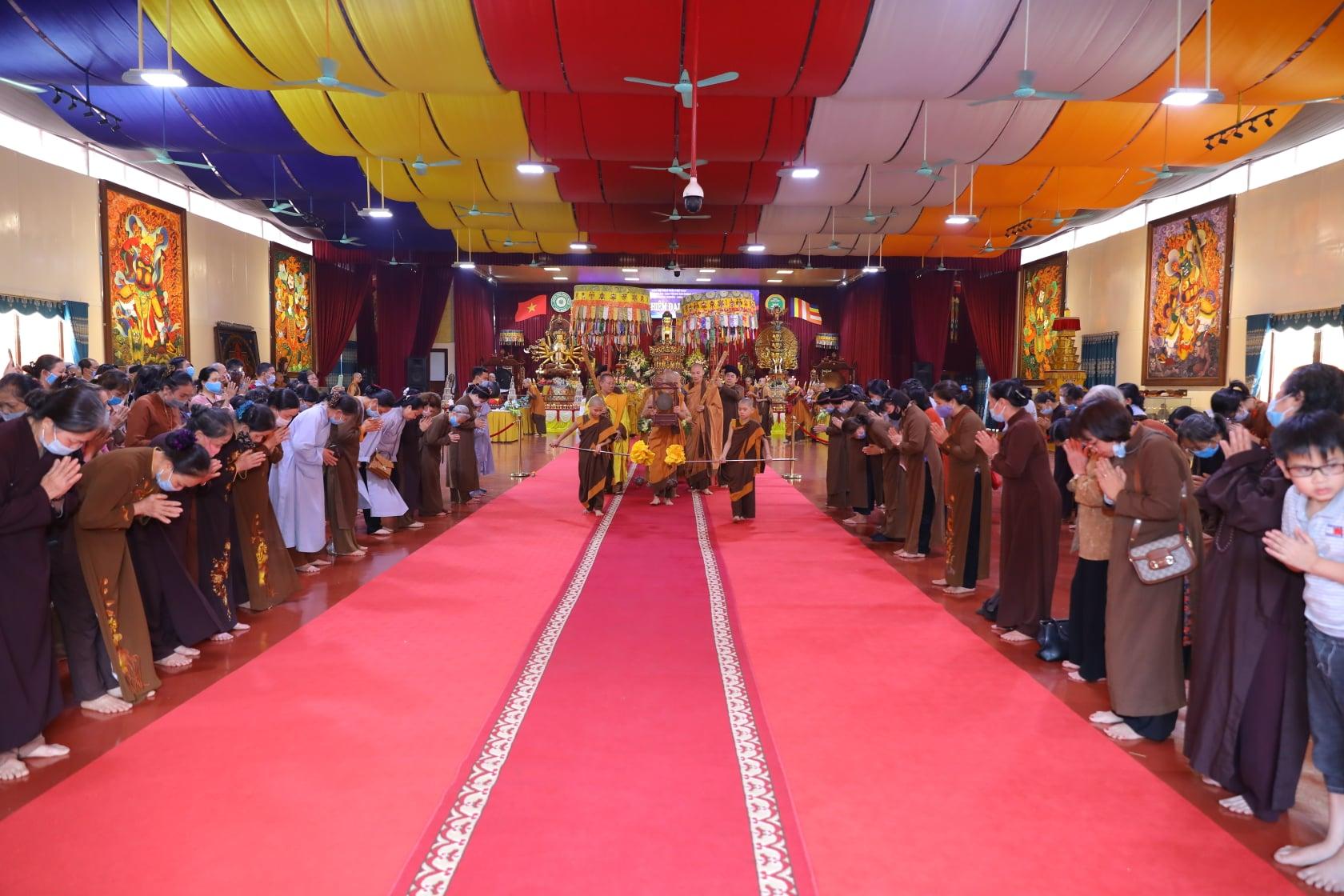 Thang Nghiem Dai Gioi Dan IV (122)