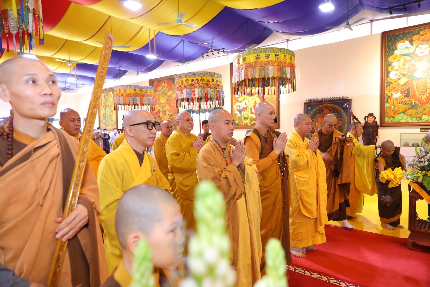 Thang Nghiem Dai Gioi Dan IV (124)