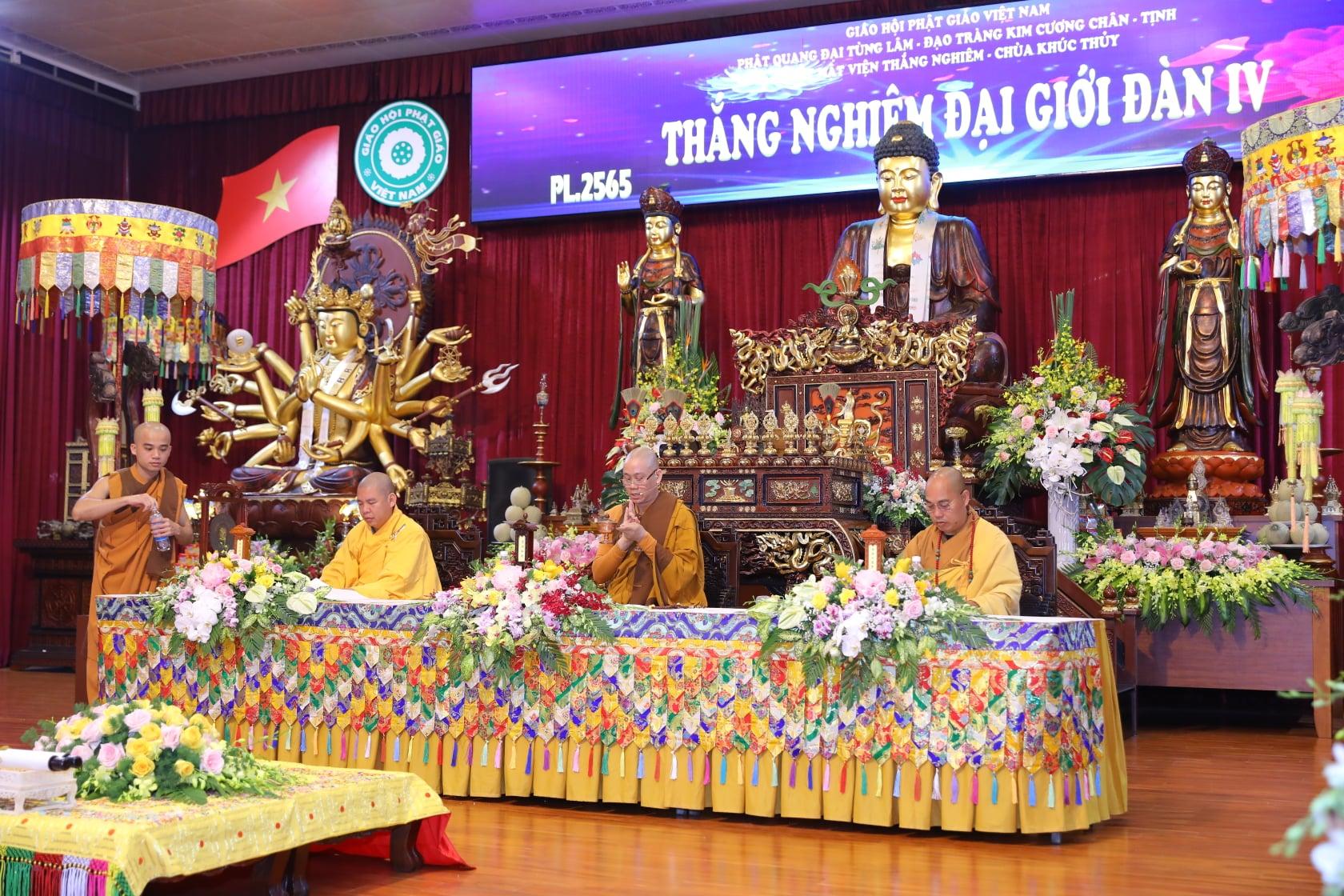 Thang Nghiem Dai Gioi Dan IV (131)
