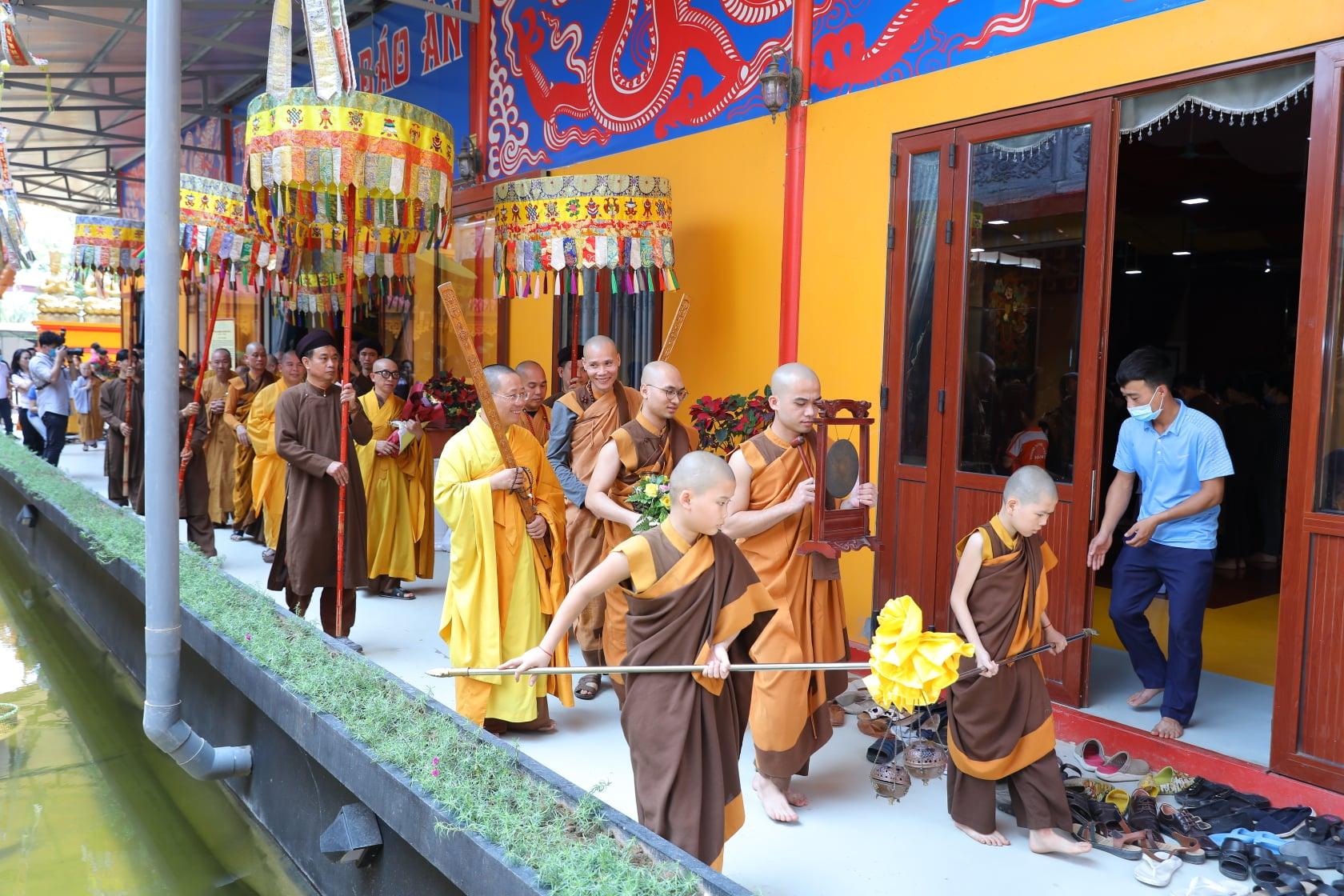 Thang Nghiem Dai Gioi Dan IV (2)