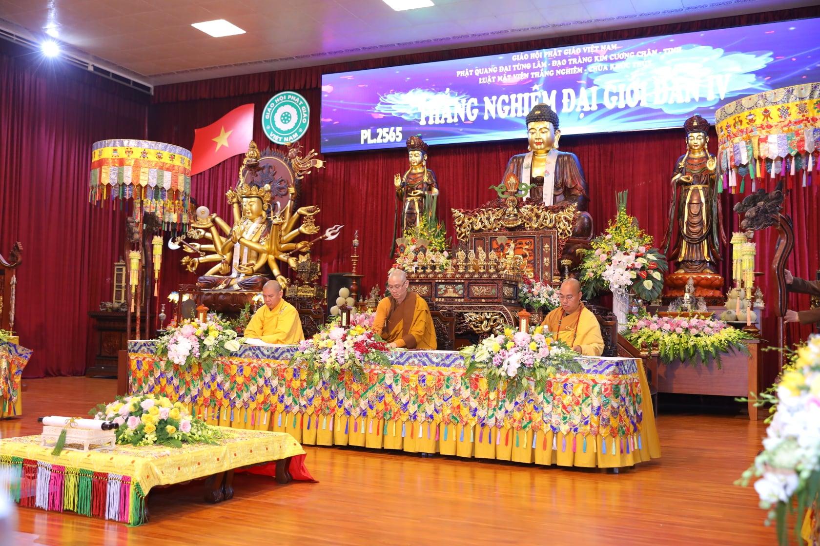 Thang Nghiem Dai Gioi Dan IV (27)