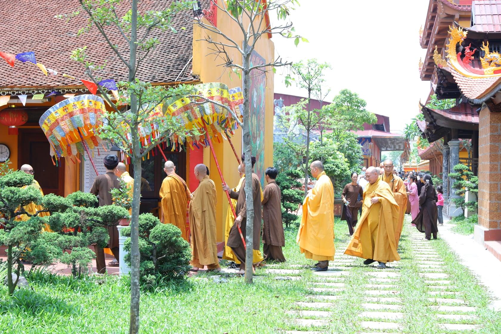 Thang Nghiem Dai Gioi Dan IV (42)