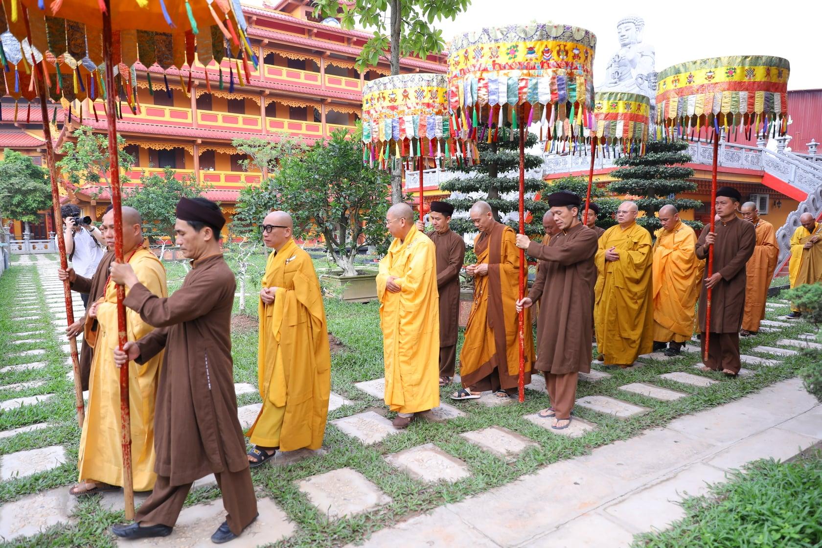 Thang Nghiem Dai Gioi Dan IV (66)