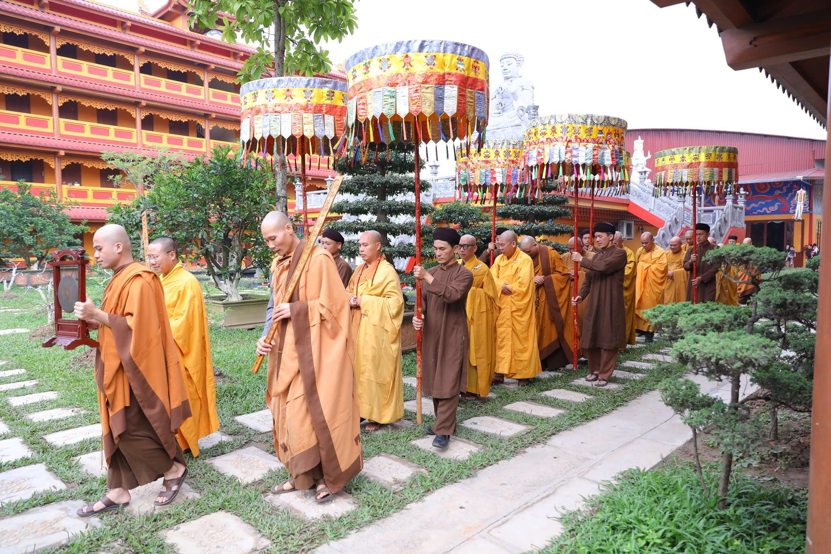 Thang Nghiem Dai Gioi Dan IV (82)