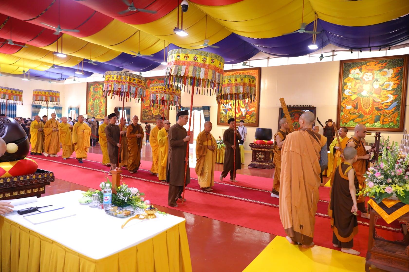 Thang Nghiem Dai Gioi Dan IV (88)